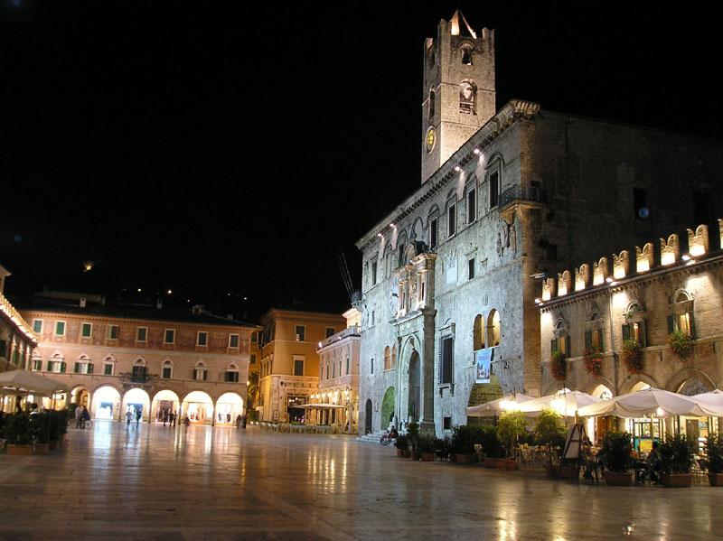 ascoli_square