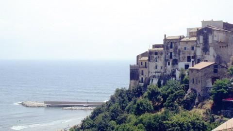 Ulysses Coast: Fashion & Secrets
